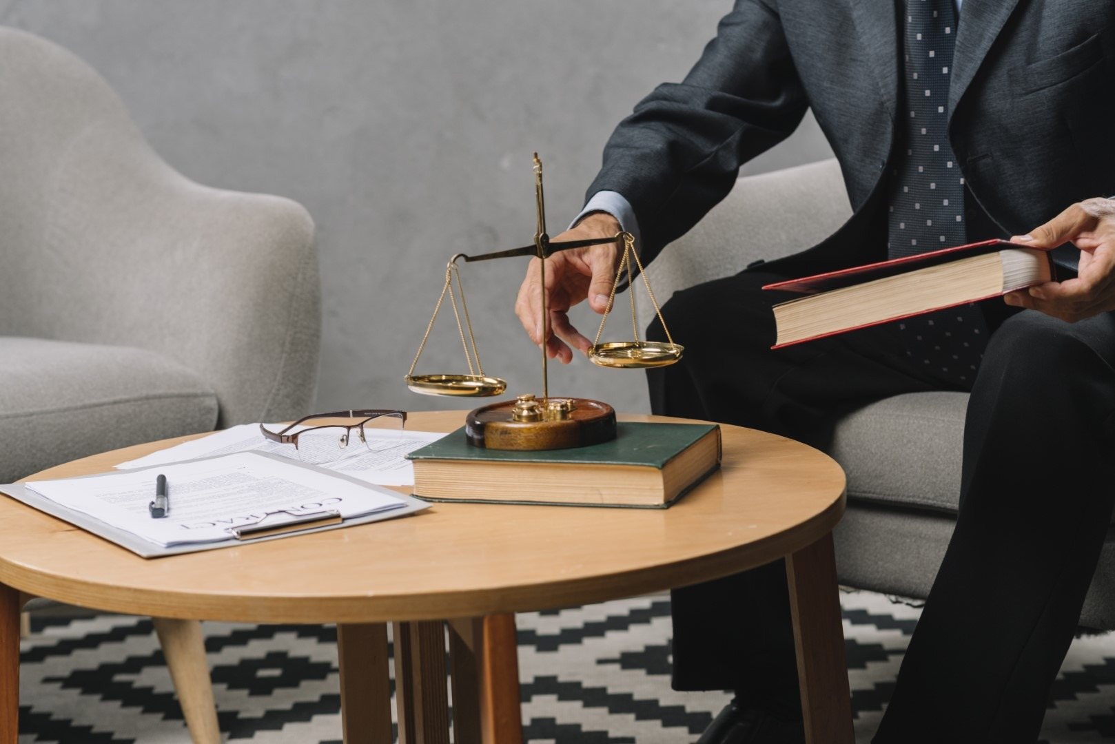 Why Choose Law Office of Aaron Kohanim | Business Lawyer